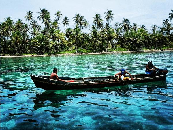 Beneteau 38 - canoe guna 600 x 450