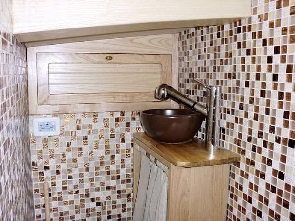 WOODEN SCHOONER - bathroom