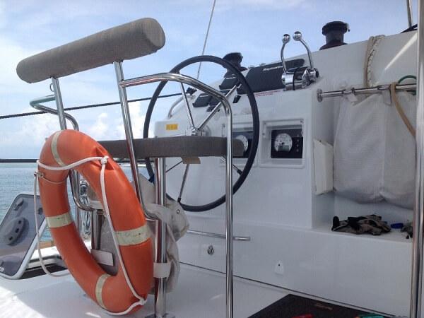LAGOON 400 - steering wheel