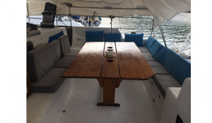 Trimaran_56_-_Cockpit_Table