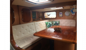 Trimaran_56_-_Saloon_Table